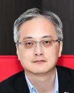Peter Zhou (周平) 氏